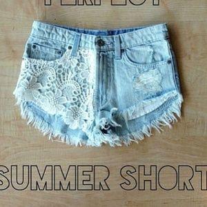 LF Other - LF carmar flower crochet shorts