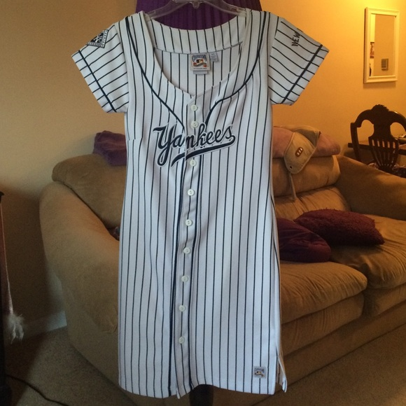 Cooperstown Collection Dresses   Skirts - YANKEES DRESS - rare find! 30e9791d7e8
