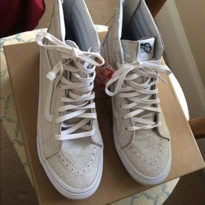 9c728cbb5a5984 Madewell Shoes - Madewell Vans Sk8-Hi Slim in Crackled Suede