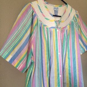 Vintage Leisure Life quilted collar house dress