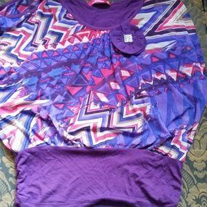Tops - Cute bubble purple top