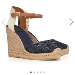 Tory burch wedge 8