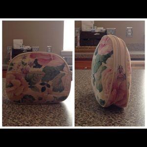 Oscar de la Renta Handbags - Oscar De La Renta Cosmetic Bag