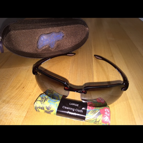 917e564f19 Maui Jim Sandy Beach Polarized Sunglasses. M 55f2f93e981829ecaa0042fe