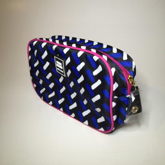 Estee Lauder Bags Brand New Este Lauder Makeup Bag