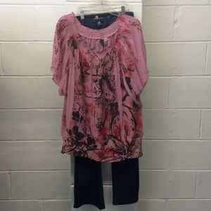 Tops - Loose fitting wing style top . Size 22/24