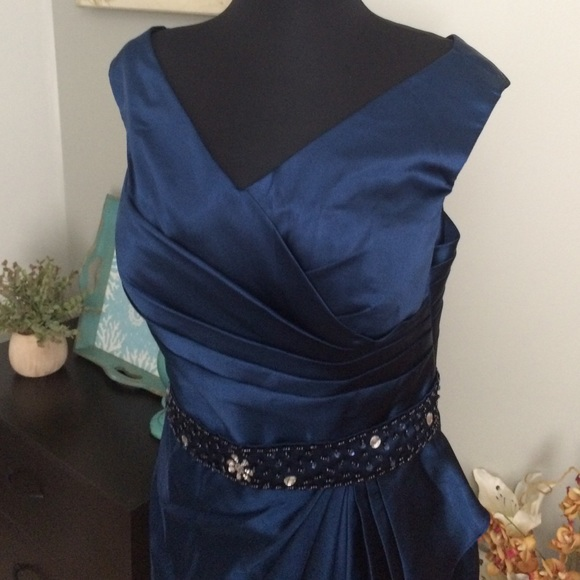 76 dresses skirts navy blue dress new belt and