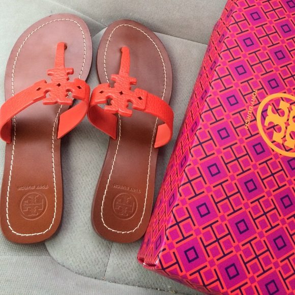 d957709f14502b Tory Burch Moore Leather Thong Sandal