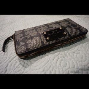 Kate Spade Wallet clutch 