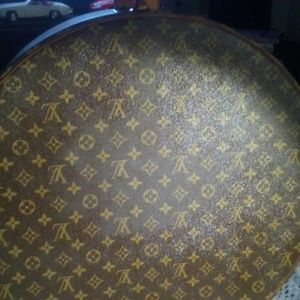 Louis Vuitton hat box Authenti vintage France firm
