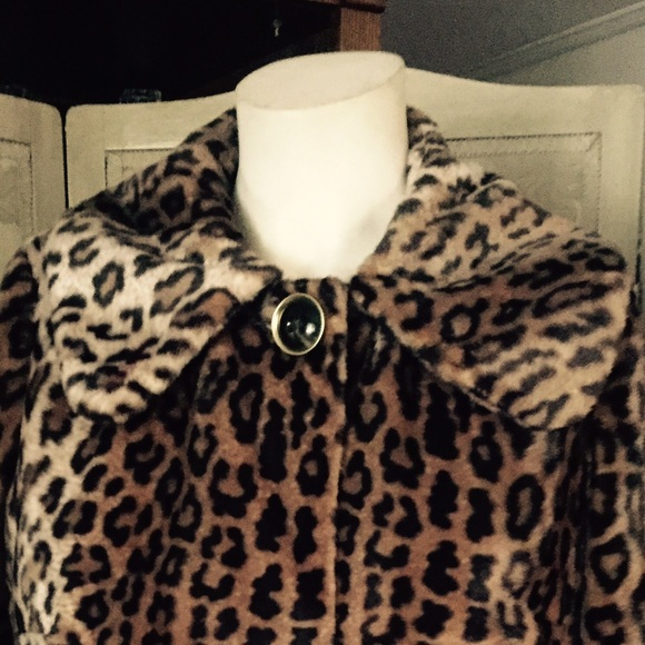 Ashley Fur: FAUX LEOPARD FUR SHORT JACKET COAT
