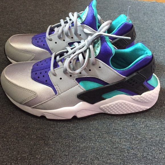 Purple and turquoise Nike huaraches. M 55f462fc44adba2e5f00aeb1 037ae47f0