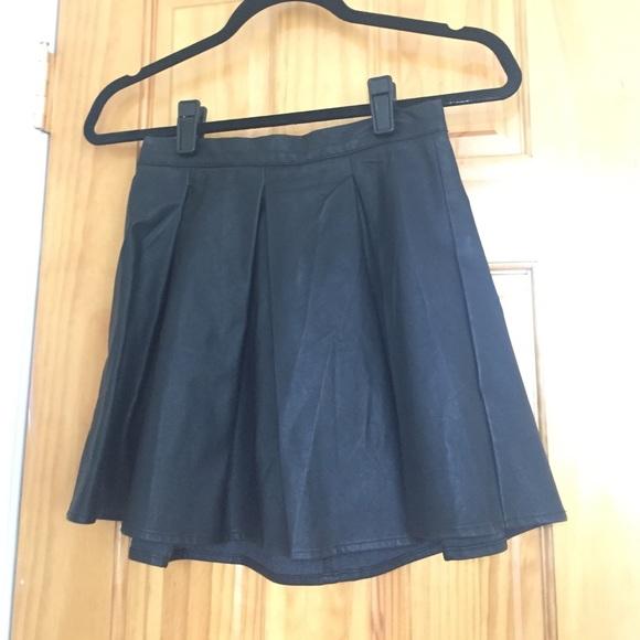 64 minkpink dresses skirts nwot faux leather