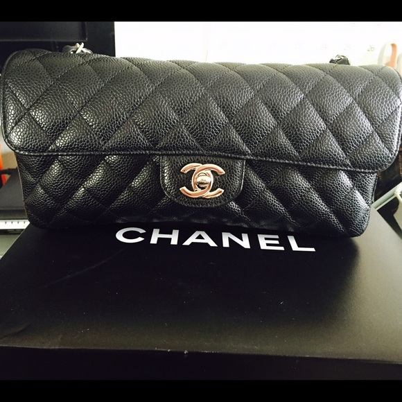 1b9f1e03a481 CHANEL Handbags - CHANEL black classic bag