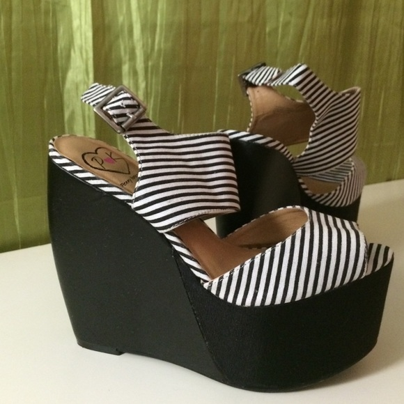 Penny loves kenny Shoes - Striped wedge heels