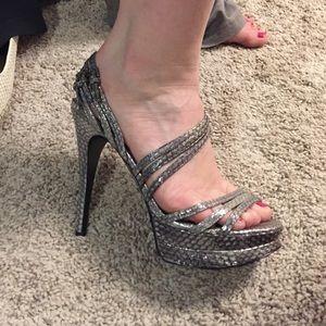 Pelle Moda metallic pewter heels