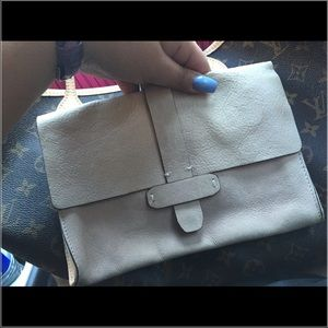 Gap clutch Leather