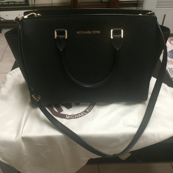 f44a8e9c9a4454 Michael Kors large Selma saffiano leather satchel.  M_55f596c32599fe972c011007