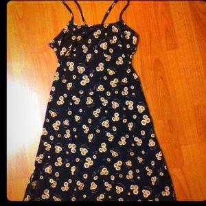 Rin daisy print dress NWT