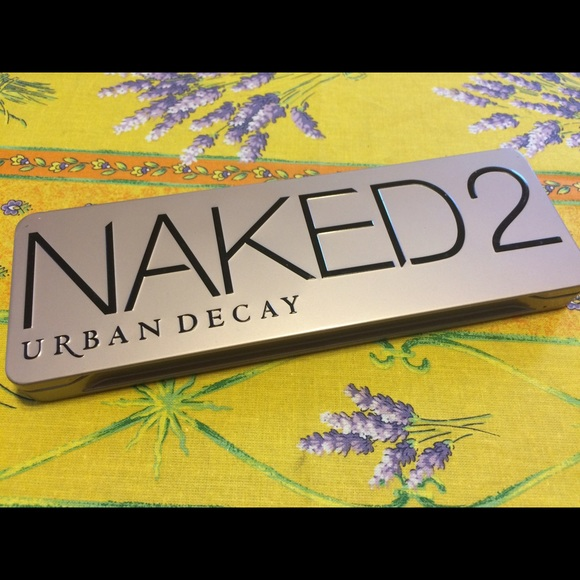 Urban Decay Makeup - Naked 2 eyeshadow palette new