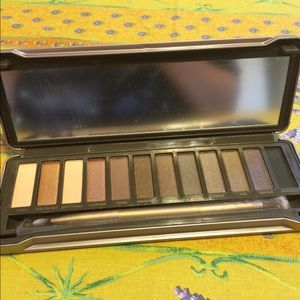 Naked 2 eyeshadow palette new