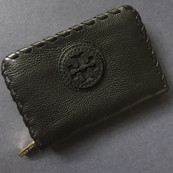 393530018a4 SALE! Tory Burch Black Leather Change Purse Wallet.  M 55f5e7777fab3acb1d01381b