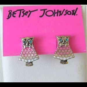 Betsey Johnson Jewelry - 💛Betsey Johnson Owl Studs💛