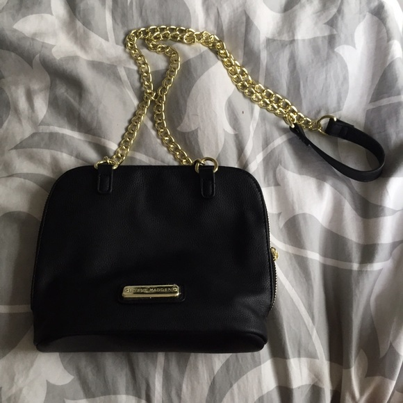 Black Steve Madden crossbody purse 5d41d6286f1d9