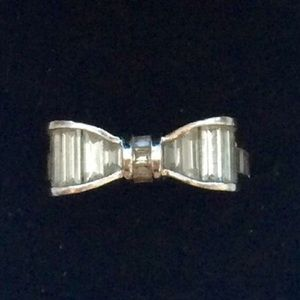 Jewelry - Perfect Bow Ring. Sterling size 6.