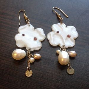 Accessories - Long pearly earrings