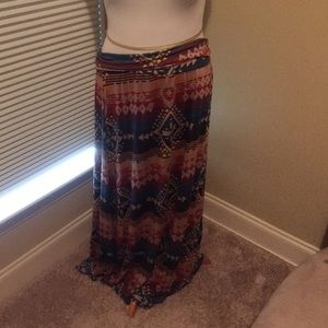 Dresses & Skirts - Aztec Maxi Skirt