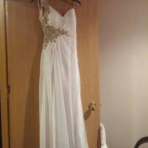 La Femme Dresses & Skirts - La Femme size 6 dress cleaned.Last chance to buy!