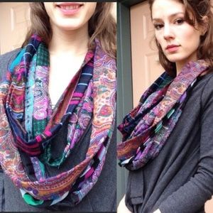 Renewal 🌈 Infinity Paisley Scarf