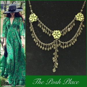 Jewelry - 🍀Elegant Vintage Themed Necklace🍀