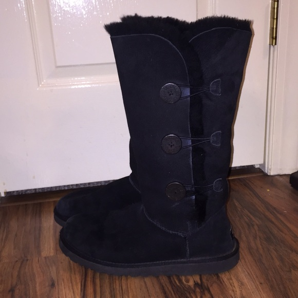 Tall Black Bailey Button (triple) UGG boots!