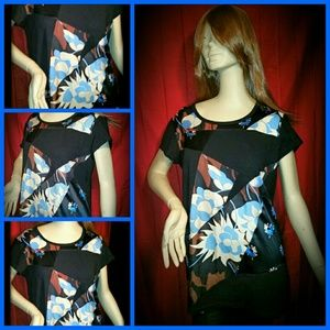 DKNY Tops - This is a beautiful DKNY blouse with a graphic