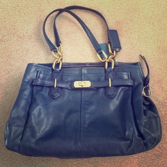 b2b7d1d105 Coach Handbags - ⚡️Sale!⚡ Navy leather Coach bag