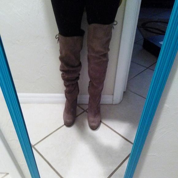 Jennifer Lopez Shoe Closet Dandk Organizer