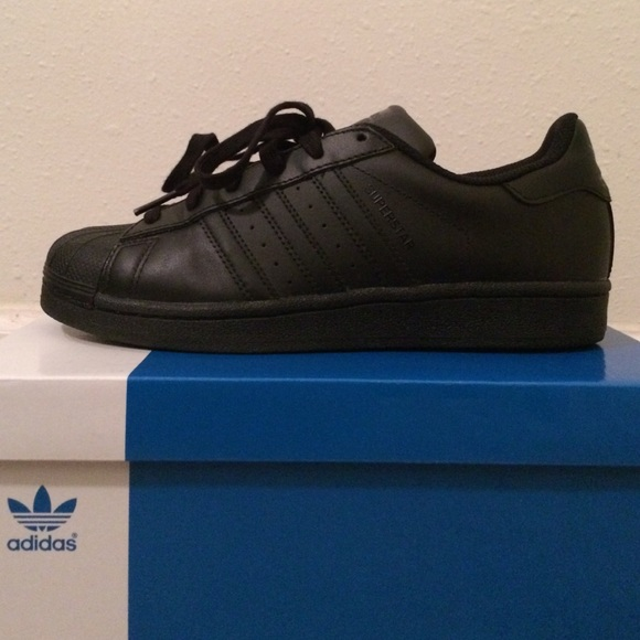 adidas Superstar Black/Black (size 5.5 youth)