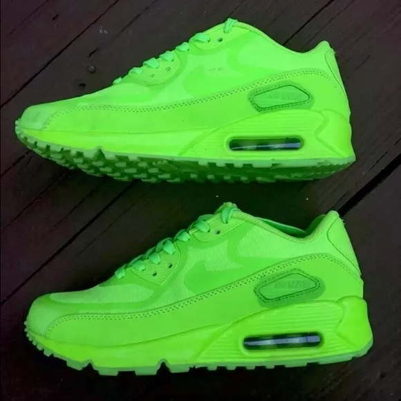 nike tennis shoes lime green