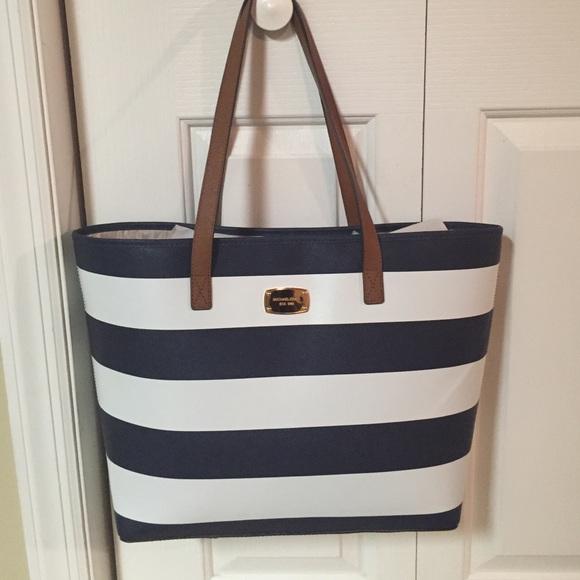 43% off MICHAEL Michael Kors Handbags - Michael Kors blue & white ...