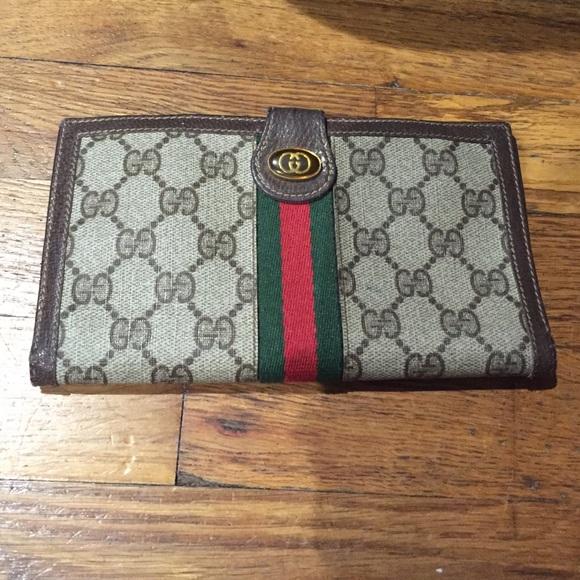 1bb647839f69 Gucci Handbags - Authentic Vintage Gucci 80's Wallet