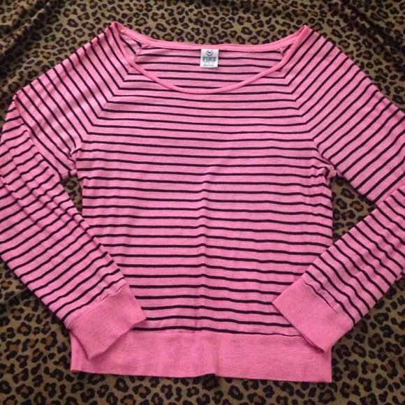 55% off PINK Victoria's Secret Tops - Long sleeved black and pink ...