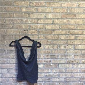 WHBM 🏠🌃 silk backless crop top