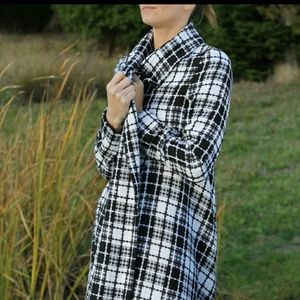 Les Mechantes Jackets & Blazers - Black & white plaid coat