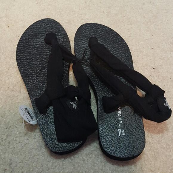 3603c1e6493 Tek Gear sandals. M 55f993d5afcd0efcbf026f29