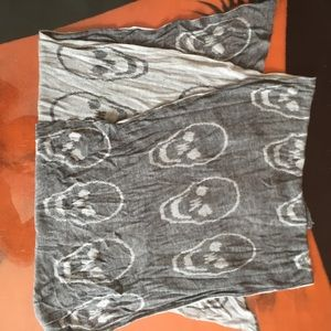Rare Brandy skull scarf