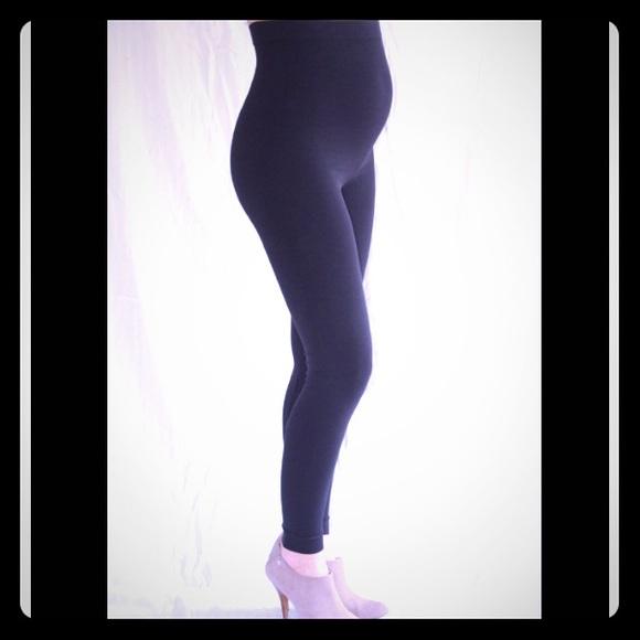 f50d5ed06fe48 Ingrid & Isabel Pants | Ingrid Isabel Seamless Belly Leggings Size 1 ...