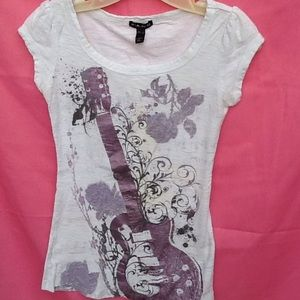 Fang Tops - Guitar rock tee shirt  size small great condition