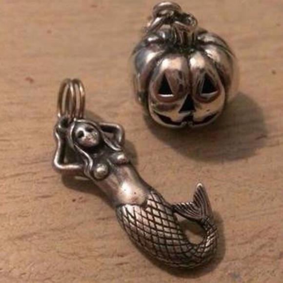 james avery jewelry iso of retiredvintage charm pendants